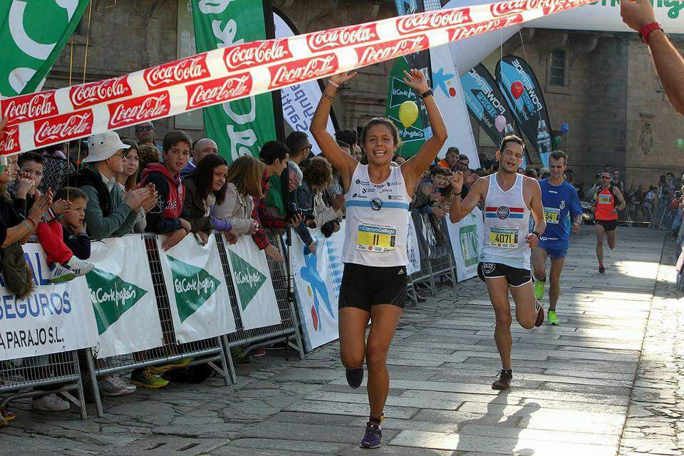 Joselyn gana la Pedestre de Santiago