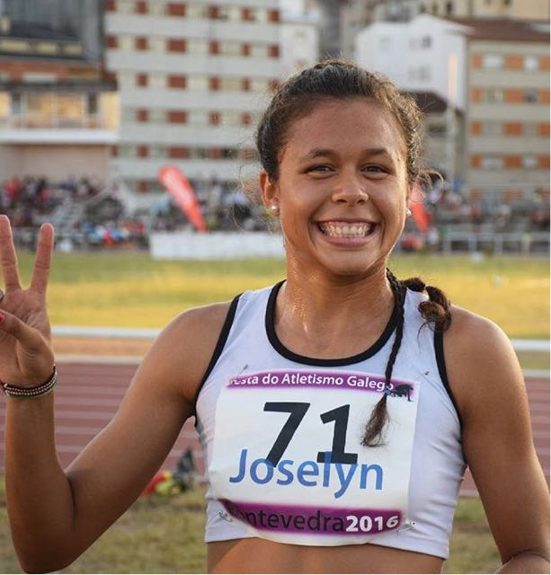 Joselyn Brea vencedora en la 40 carreira pedestre de Santiago