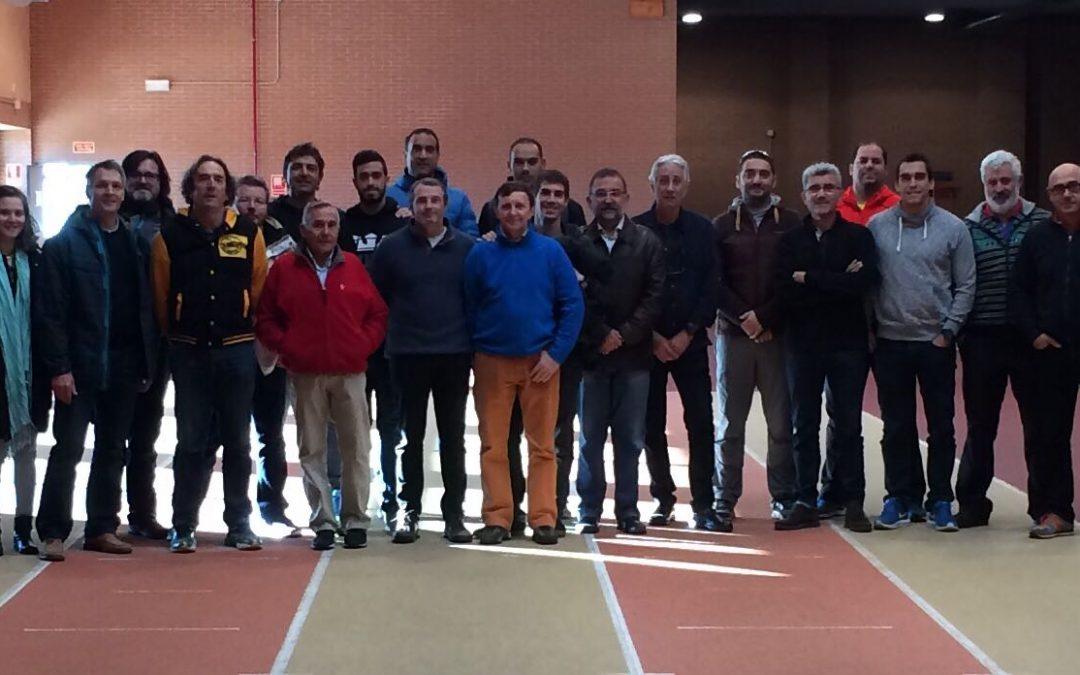Reunión nacional de entrenadores de pértiga
