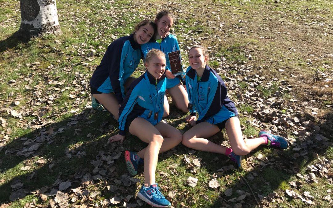 Campionato Galego de Cross : Xuvenil mulleres Ouro , Senior- Sub23 Mulleres  Bronce. Hugo Garcia Ouro, Paula de la Torre Prata e Blanca Armenteros Bronce
