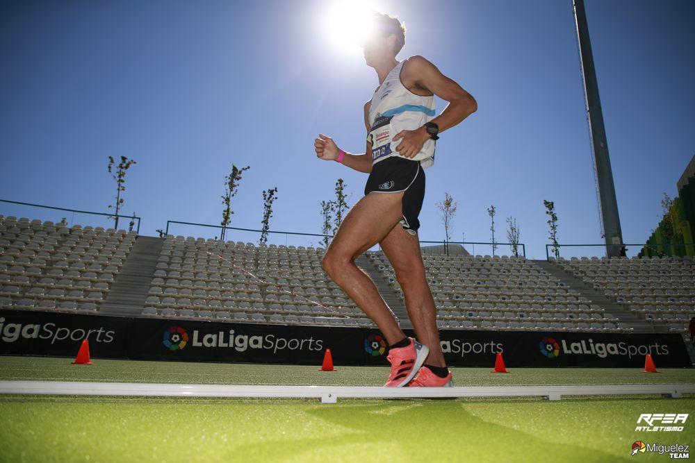 Dani Chamosa campeón en los 5000m marcha | Foto: Miguelez Team