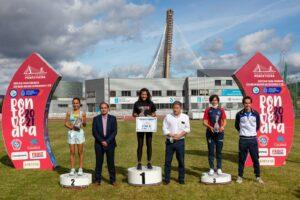 Podium del medio maratón femenino del Gran Fondo CaixaBank 2021